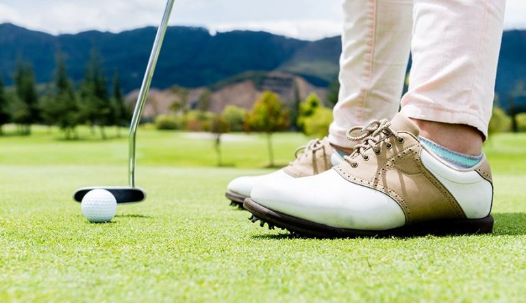 Best Golf Shoes for Wide Feet In 2021 for the Most Comfortable Fit